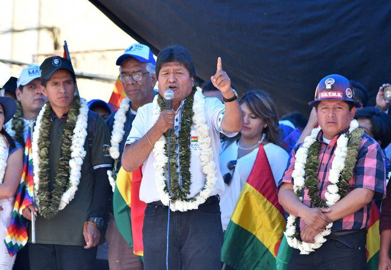 De Boliviaanse president Evo Morales tijdens een toespraak voor zijn aanhang in de stad Cochabamba. Beeld EPA