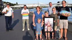 Familie Schelfhout wint verkiezing van de leukste 'Blijf in uw Kot'-selfie, met dank aan hun 'coronatoren'