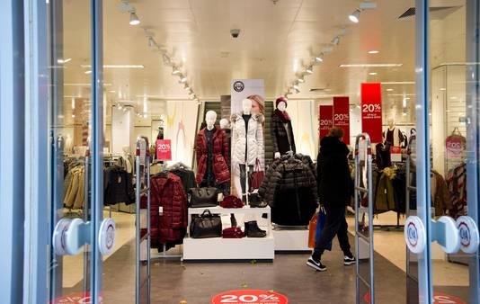 C&A in Haarlem volgens het oude winkelconcept.
