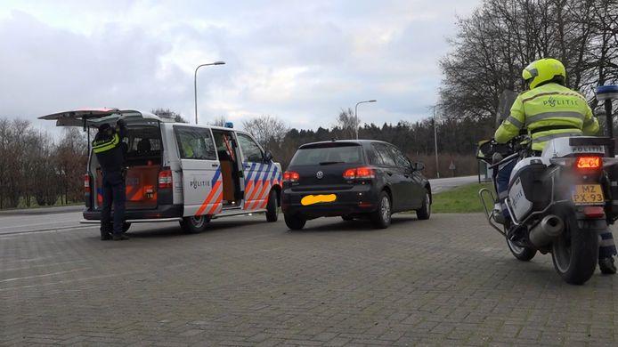 De politie in actie tijdens een controle.