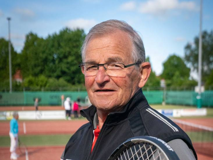 Het zit Herman in de genen: 'We tennissen in Elst ook in de winter'