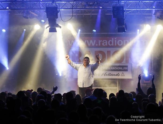 Django Wagner is één van de zangers die donderdagavond Nederlandstalige hits ten gehore brengen op de Oude Markt