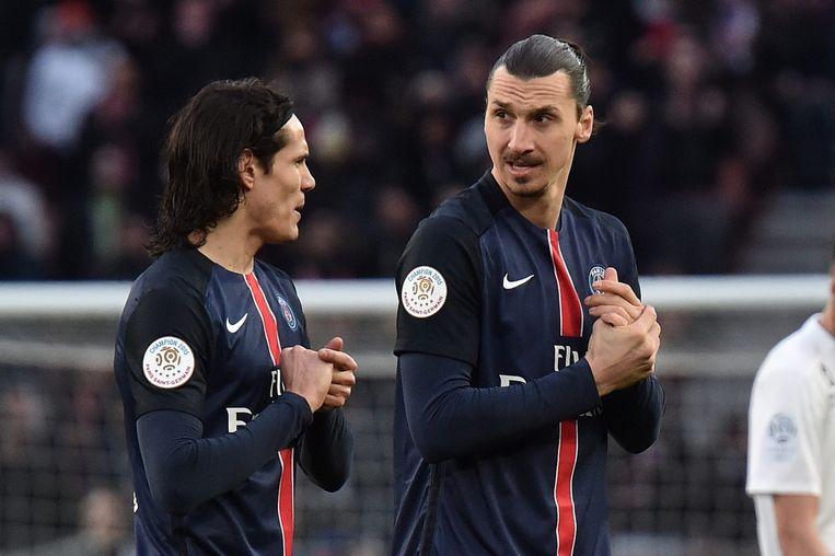 Zlatan Ibrahimovic Edinson Cavani tijdens de doelpuntloze wedstrijd. Beeld EPA