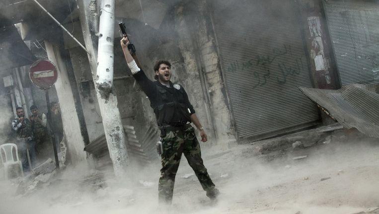 Een Syrische rebel in Aleppo. Beeld ap
