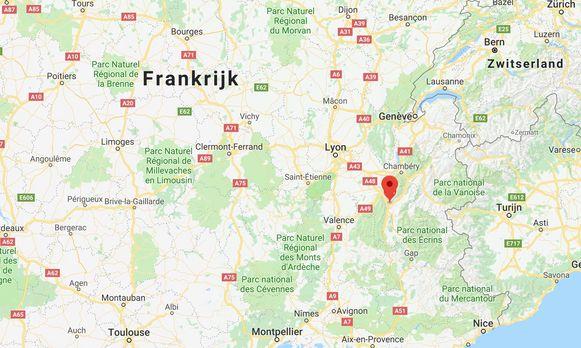 In Grenoble zijn 5 verdachten gearresteerd tijdens een antiterreuractie. De verdachten, vier mannen en een vrouw, behoren tot een jihadistisch netwerk.