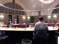 Het kan zomaar: de gemeenteraad Goirle die vergadert bij de voetbalclub