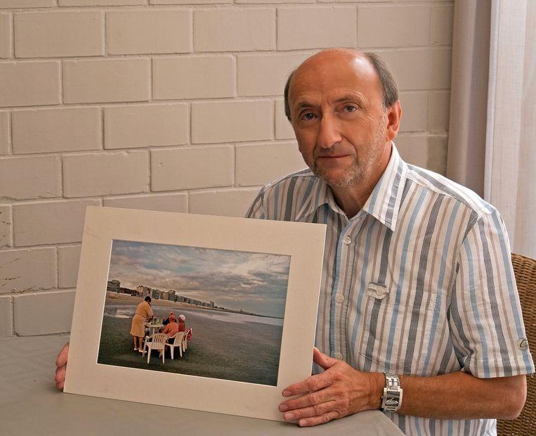 Ludo Tyteca toont één van zijn vele foto's
