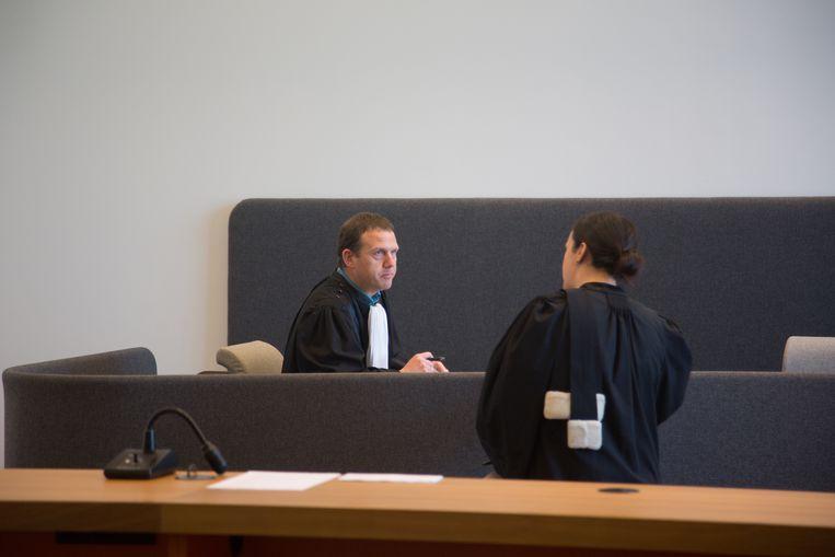 De procureur en advocate Els Jeuris tijdens de behandeling van de zaak.