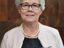 Lintje voor vrijwilligster Jennie Bogers-Spuijbroek uit Sprang-Capelle