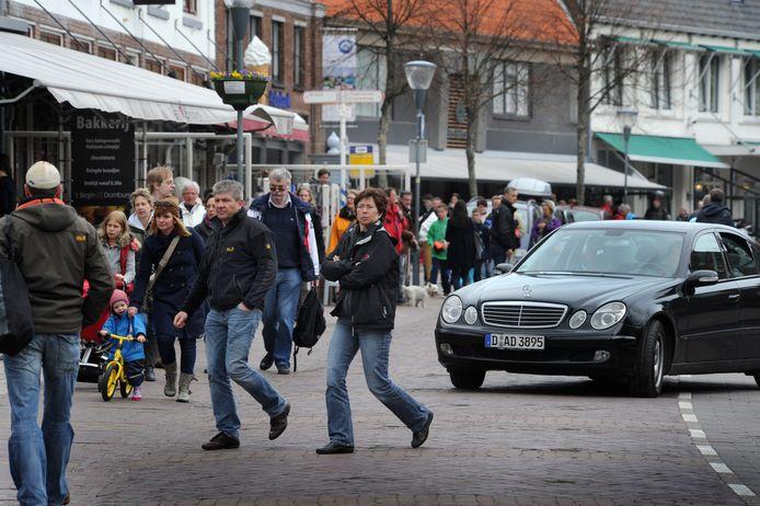 Drukte in Domburg.