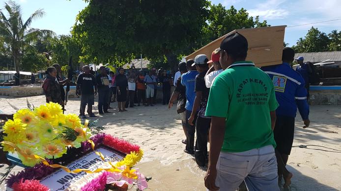 Joop komt aan op West-Papoea.