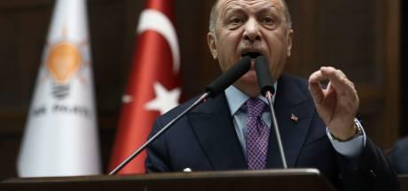 Erdogan: 18.000 migranten staken in 24 uur de grens met Europa over vanuit Turkije