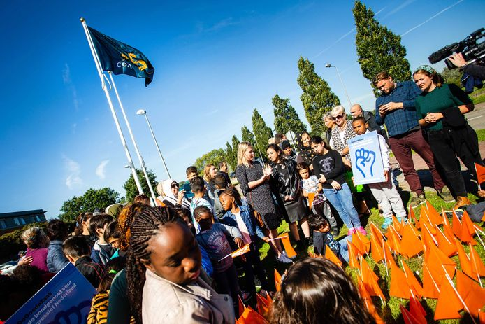 epa07049835 Protesters during a demonstration organized by DeGoedeZaak and Defense for Children  against the expulsion of rooted children in Katwijk, the Netherlands, 26 September 2018. Siblings Hayarpi (20), Warduhi (19) and Seyran (14) are threatened to be deported to Armenia after nine years living in the Netherlands.  EPA/ALEXANDER SCHIPPERS