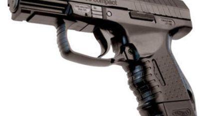 Man rijdt rond met luchtdrukpistool, maar rechter straft hem uiteindelijk toch niet