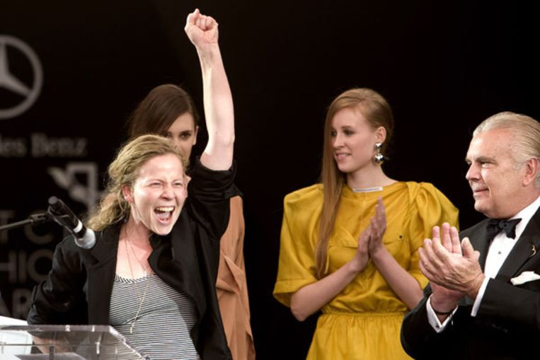 Monique van Heist wint de Mercedes Benz Dutch Fashion Awards. Foto ANP Beeld