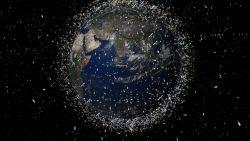 Bijna-botsing met internetsatelliet bewijst: het wordt wel érg druk in de ruimte