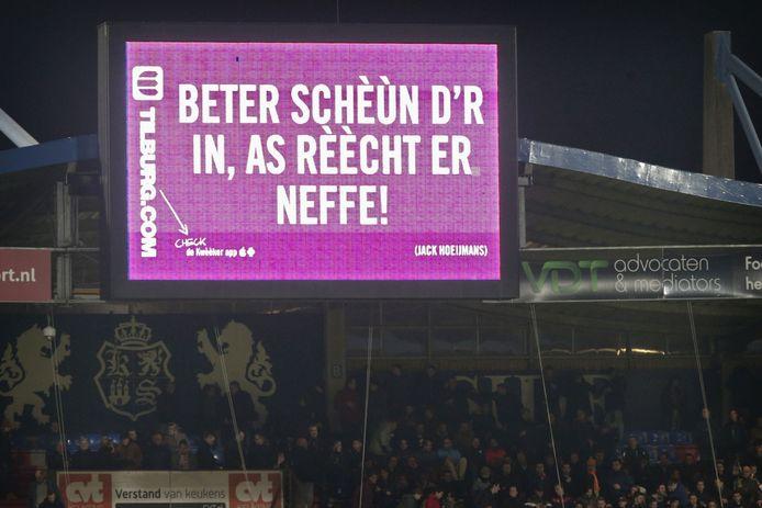 Willem II-fans kunnen hun aanmoediging in een videofilmpje voor het scorebord kwijt. Een compilatie wordt tijden de warming-up vertoond.