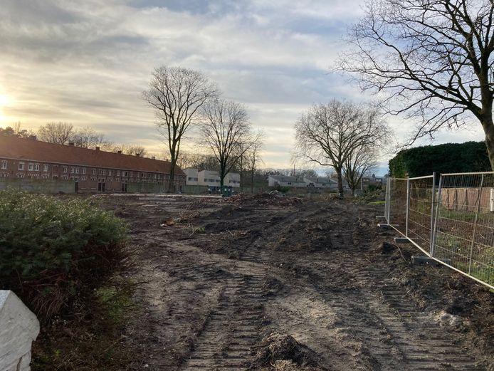 De leegstaande villa in de Sterrestraat werd gesloopt en bomen gerooid om plaats te maken voor een nieuwe verkaveling.