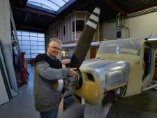 Jan (58) uit Genemuiden is handig, dus bouwt hij zijn eigen... vliegtuig! 'Niet normaal eigenlijk, hè?'