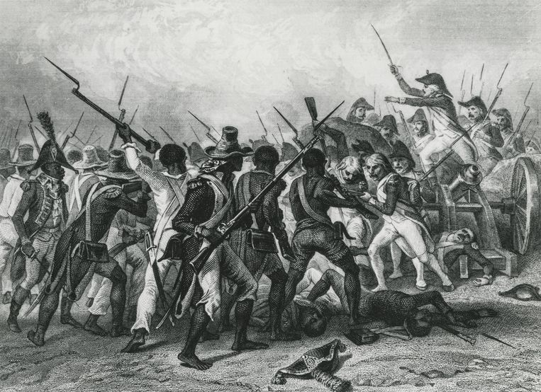 Confrontatie tussen de opstandelingen en het Franse leger op Saint-Domingue in 1802. Beeld Gamma-Rapho via Getty Images