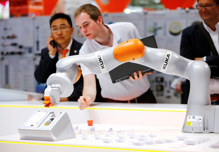 De Duitse robotmaker Kuka werd overgenomen door een Chinees bedrijf. Beeld REUTERS