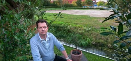 Aanleg tijdelijke huizen bij stadion De Vliert ligt stil: 'Juist groen weggehaald voor een mooier uitzicht'
