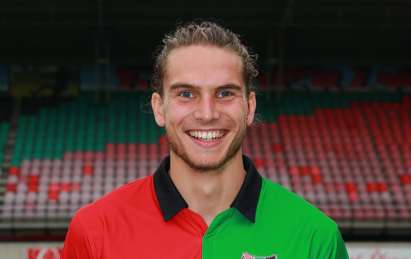 Stijn de Looijer in het shirt van NEC.