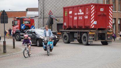 """Stadsbestuur schrapt budget voor verbreding Sint-Amandsstraat: """"Een volwaardige ring is de enige goede optie"""""""