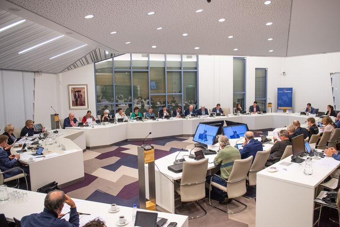 Gemeenteraad Berkelland vergadert over begroting.