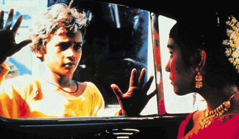 In 1988 blonk Shafiq Syed nog uit in zijn rol van straatkind in 'Salaam Bombay!'. Inmiddels verdient hij de kost als riksja-chauffeur. (FOTO KIPPA) Beeld KIPPA