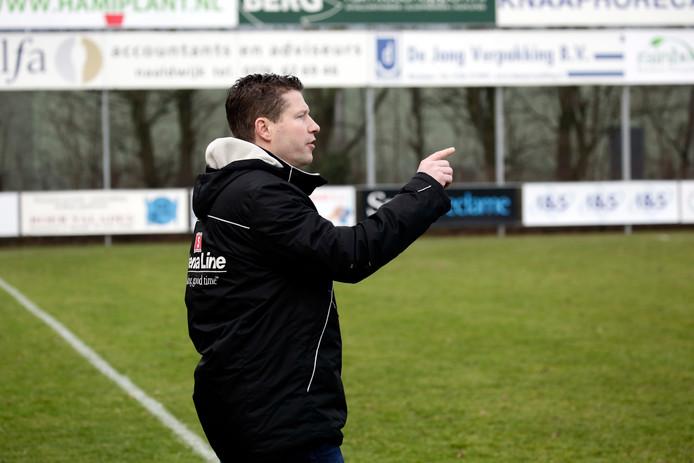 Voormalig HVC'10-trainer Pim van der Hoorn  staat vanaf donderdag voor de groep bij Lyra.