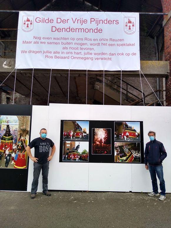 Dendermondenaren versieren hunhuizen om de uitgestelde Ros Beiaardommegang te eren