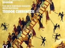 'Rebel' Currentzis schudt Mozarts zwanenzang flink op