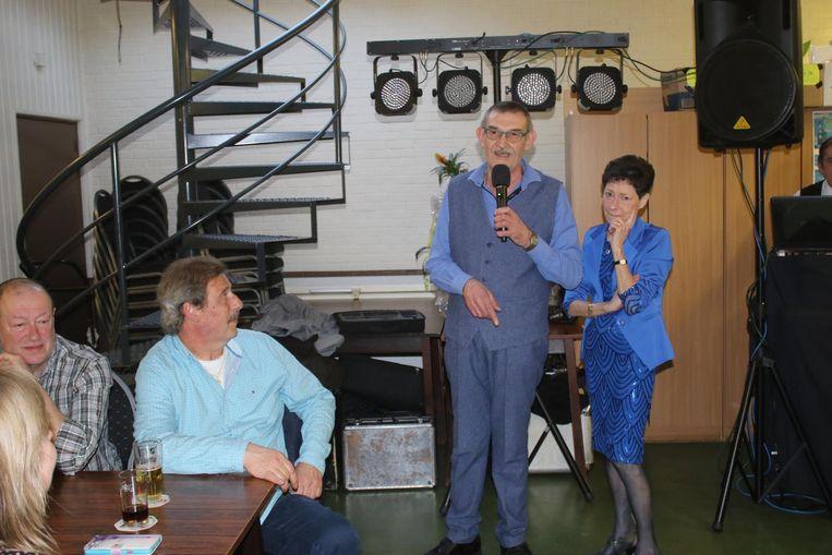 Seppe en Gerda bedanken de aanwezigen voor hun komst en trouw aan het café.