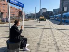 De rokers zijn alvast verbannen en over een paar dagen mag je helemaal niet meer roken op het station