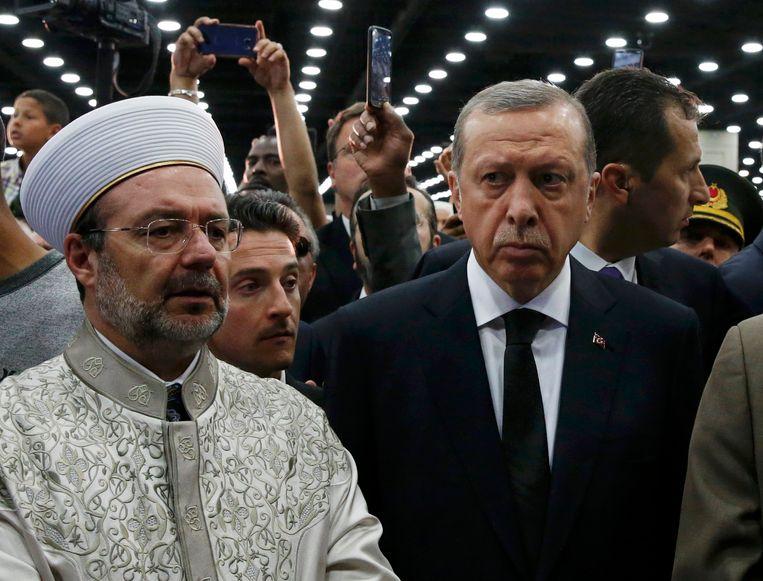 De Turkse president Tayyip Erdogan bij de islamitische herdenkingsdienst. Beeld null