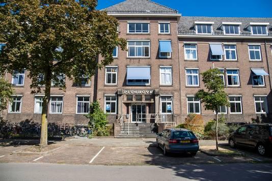 Het voormalige klooster en verpleeghuis Piushove in Nijmegen, waar in de kelder open en bloot de medische documenten van de demente oud-bewoners lagen.