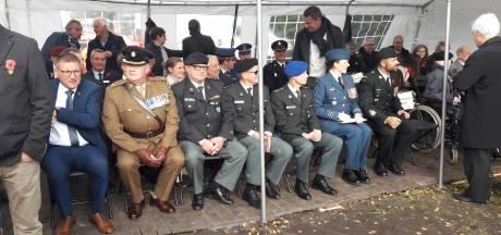 Canadese ambassadeur Nicoloff bij onthulling bevrijdingsmonument in Essen (B)