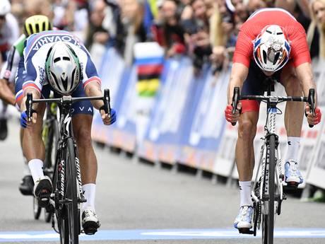 Historisch! Peter Sagan pakt derde wereldtitel op rij