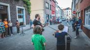 De mooie kanten van corona: Ledebergse buren ontdekken elkaars muzikale talenten en spelen al  60 miniconcerten op rij
