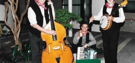 Veghel neemt afscheid van muzikaal trio Betôzzie