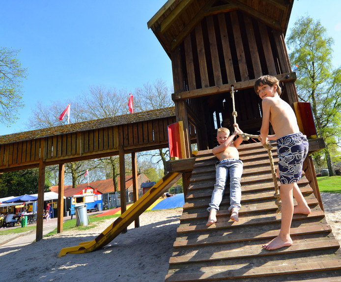 Speeltuinplezier in speeltuin De Viking Geldrop