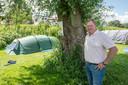 Het is een gekkenhuis op de camping van Marcel van den Heuvel in Drimmelen.