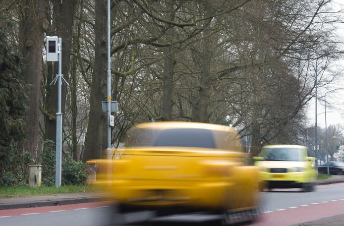 De meest actieve flitspaal van Gelderland aan de Otterloseweg in Harskamp