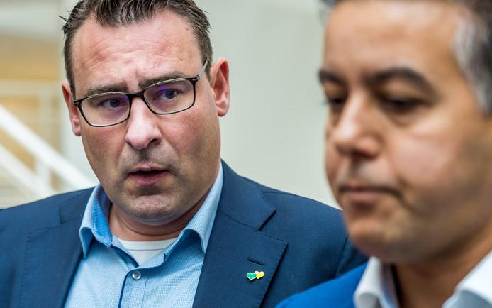 De in opspraak geraakte ex-wethouders Richard de Mos (links) en Rachid Guernaoui.