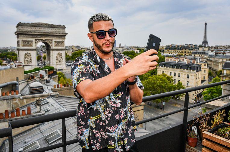 Vrijdag stelde hij in Parijs zijn album 'Carte Blanche' voor (foto boven), zaterdag speelde hij - regen of niet - Tomorrowland plat.