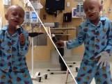 Jongetje gaat los op Michael Jackson na laatste behandeling