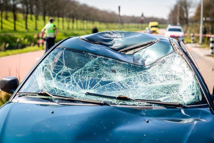 De wielrenner werd door een auto geschept op de Ekkerswijer in Best.