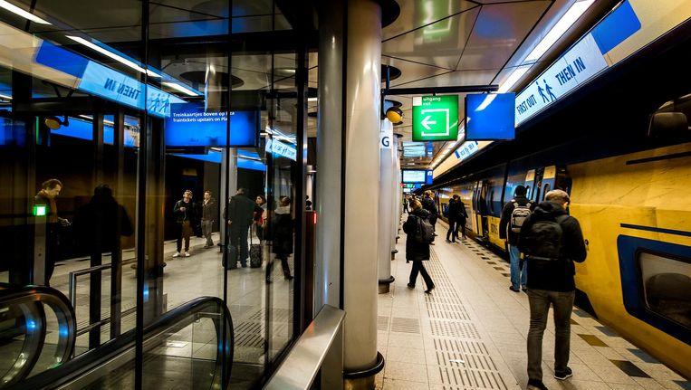 Het aantal treinreizigers groeit in tien jaar met nog eens 30 tot 40 procent. Voor de Randstad kan de groei 60 procent bedragen. Beeld anp