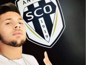 Ligue 1-club meldt trots dat winger bijtekent, waarna die dezelfde avond nog wordt aangehouden 'nadat hij masturbeerde voor woonst buurvrouw'